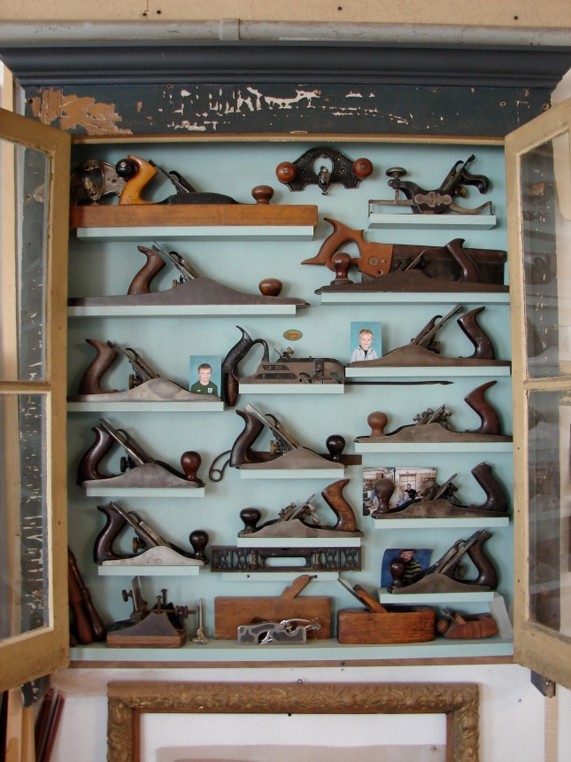 cabinets tools